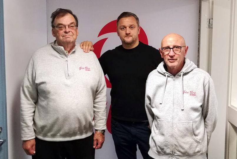 Timo Rannikko, Tomi Korpinen ja Juha Kulju TUL:n uusissa toimitiloissa Sportti-talossa.